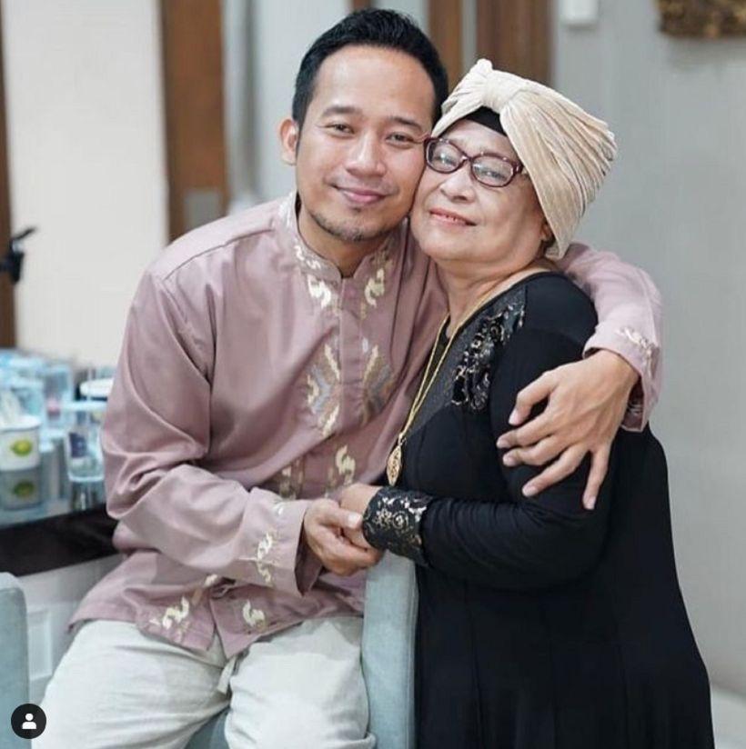 Potret Wendi dan Mama Eny. Mama Eny meninggal dunia Senin (18/01/2021) Malam