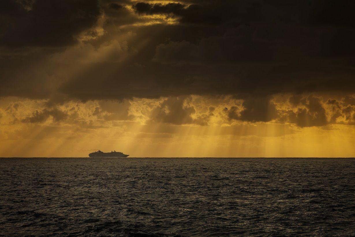 ILUSTRASI - Kapal Taiwan ditemukan di Laut Natuna Utara. Freepik