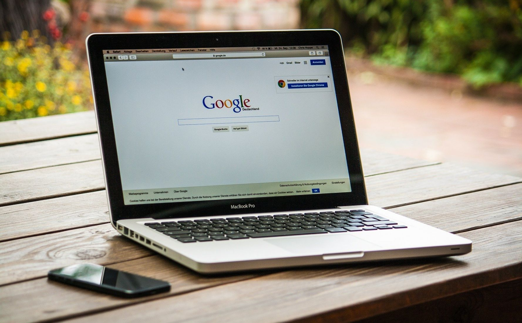 Laman Google Dalam Sebuah Laptop. Google Mengancam akan Keluar dari Pasar Australia.