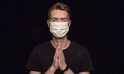 Ilustrasi Pasien Suspect COVID-19 memakai masker