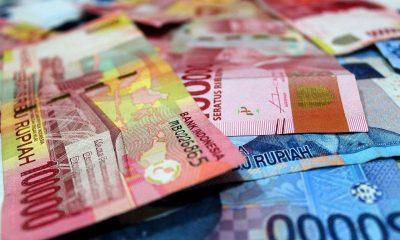 Rupiah 100 ribu dan 50 ribu sebagai ilustrasi bahwa rupiah adalah satu-satunya alat pembayaran yang sah di NKRI